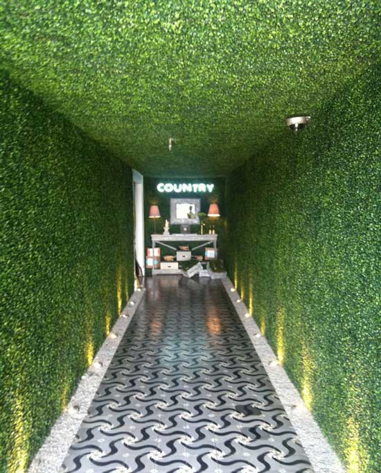 Artificial-plant-hedges-for-green-wall-interior-wall-in-KTV-MUSIC-BAR