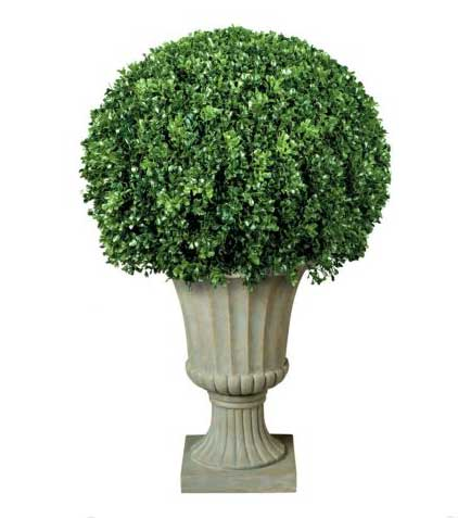 artificial-topiary-balls-in-planters