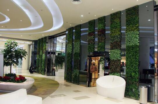 Shopping-mall-storefront-design-by-artificial-green-wall.jpg