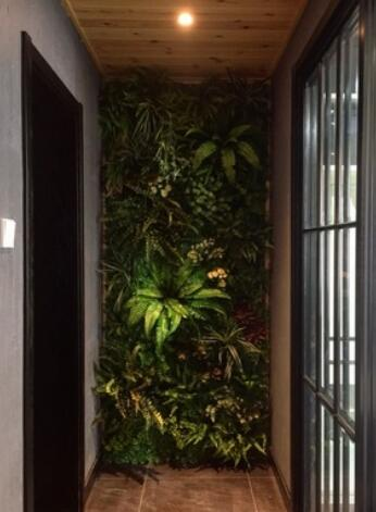 artificial-hedge-plants-wall-balcony-design-ideas