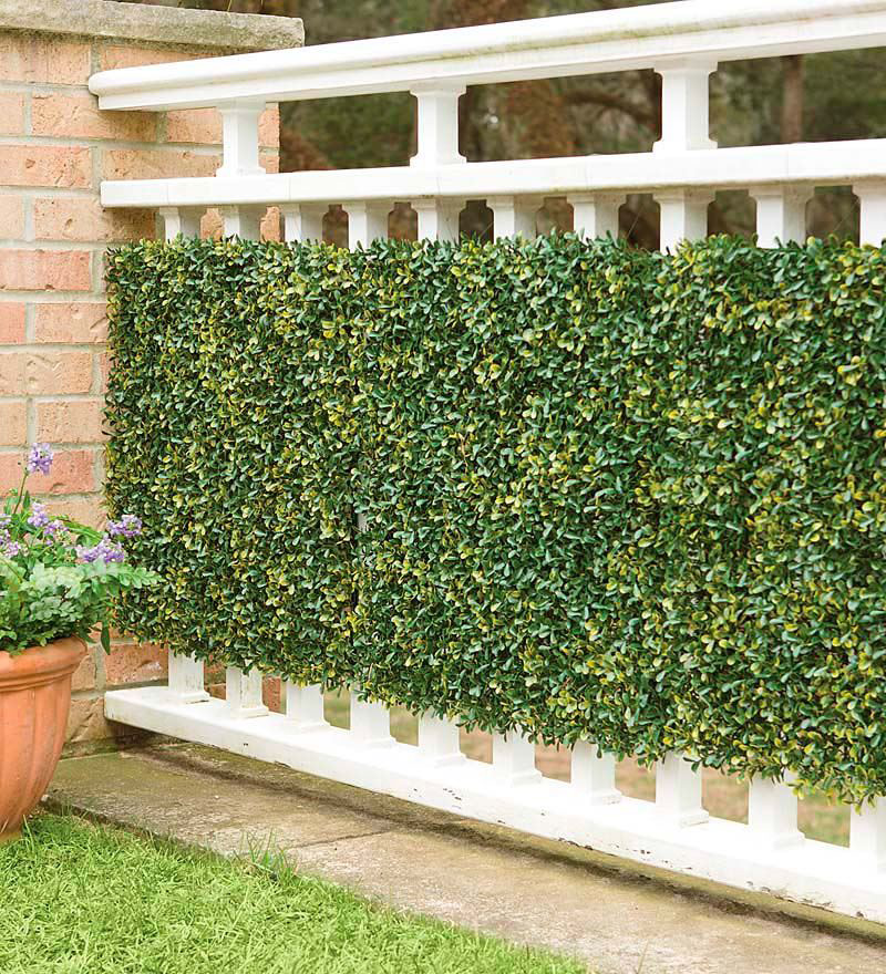 decorative-fence-ideas-by-artificial-greenery-wall