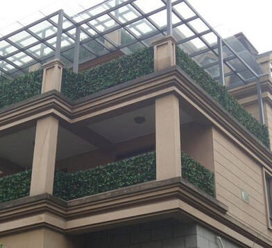 Artificial hedges for landscaping in balcony