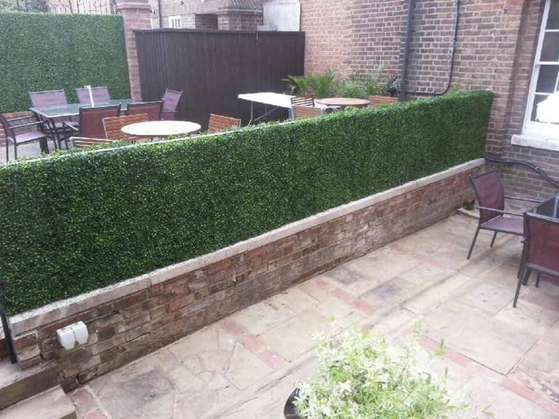 artificial hedge screen for deck divider