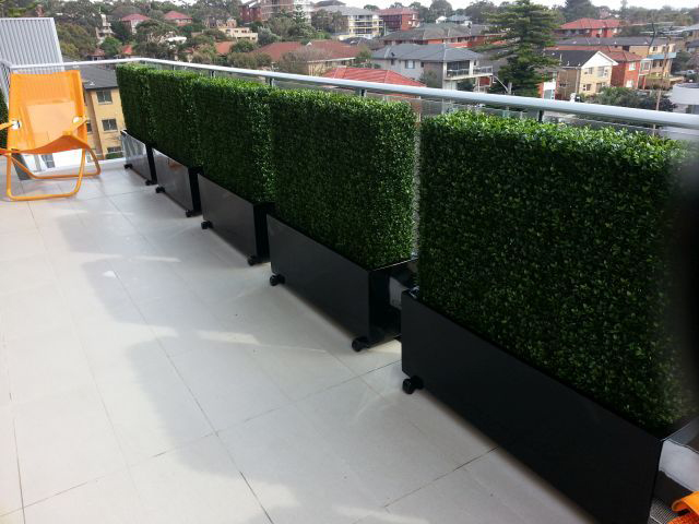 artificial hedges for rooftop patio plant screens